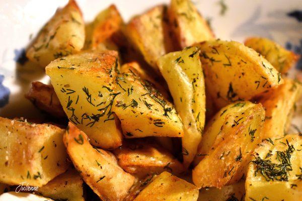 Cartofi cu mărar la cuptor
