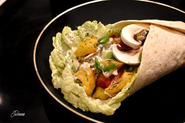 Tortilla cu legume proaspete și cartofi copți – Vegetarian