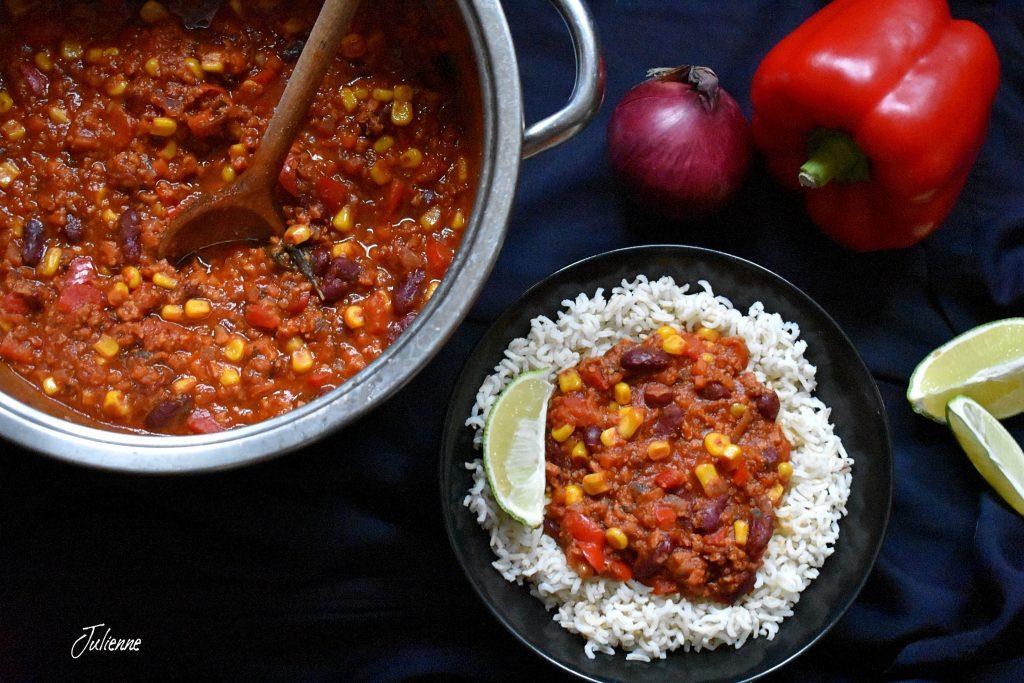 Chili con carne vegan prezentare